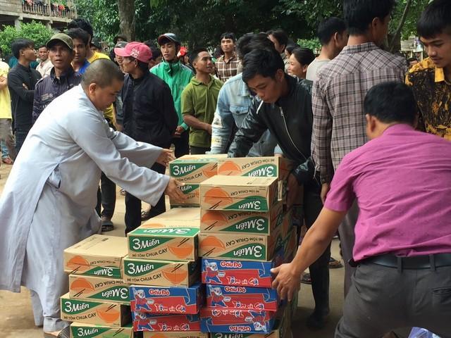 Vũng Tàu: BTS trao quà đến đồng bào lũ lụt miền Trung đợt 2 năm 2020
